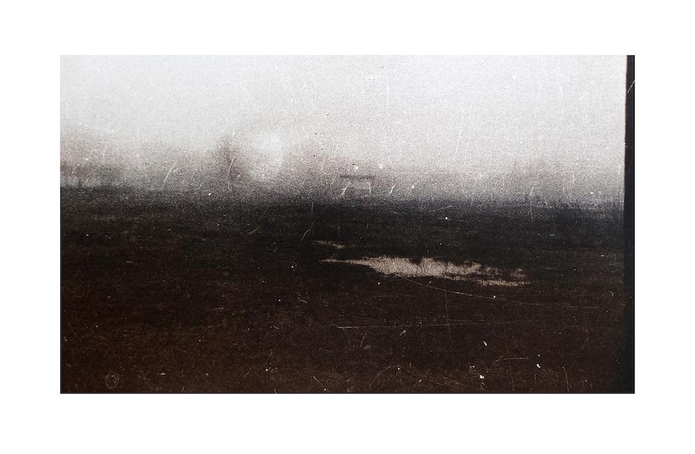 r-treigys-rudas-peizazas-po-25-metu-2014-m-tonuotas-sidabro-zelatininis-atspaudas-30-x51cm-artvilnius20-pristato-baroti-galerija.jpg